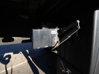 Schmitz SCS 24/L Front Damage