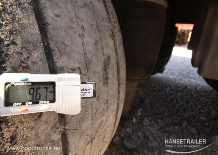 2011 Puspriekabė Užuolaidinė Humbaur BIG ONE