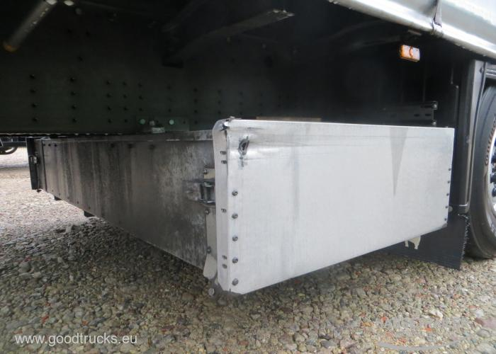 2017 Puspriekabė Užuolaidinė Schmitz SCS 24/L Multilock XL